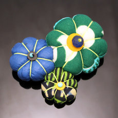 African Jewelry Fashion Brooch in Wax Flower Design Madame 05 Brown/Beige/Green TOUBAB PARIS