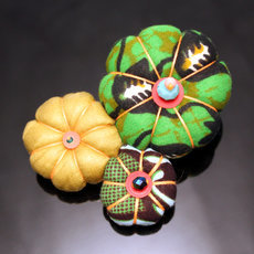 African Jewelry Fashion Brooch in Wax Flower Design Madame 07 Light Yellow/Green TOUBAB PARIS