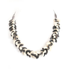 Organic Jewelry Beads Necklace Leaves Vegetable Ivory Seeds Design Agrio Black/White Tagua and Co