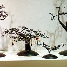 Jewelry Tree-holder rings small cedar recycled metal Madagascar baobab