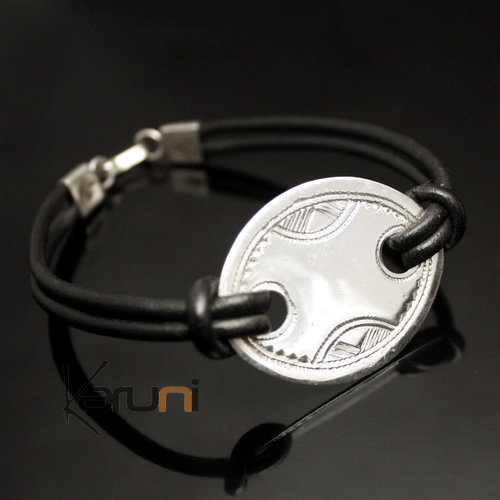 Silver Medal Bracelet Oval 02 Leather