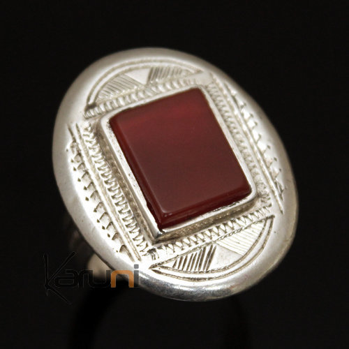 Ring in Silver and Red Agate 24 Engraved Oval